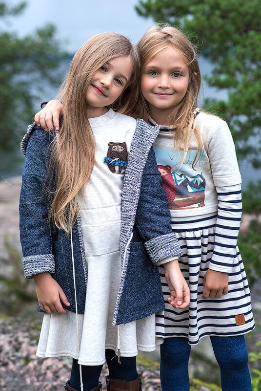"""Комбинированное платье детское с имитацией футболки и принтом """"Мишка Тео в горах"""" 2020 1"""