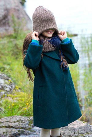 Детское зеленое пальто на девочку