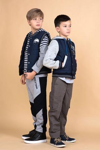 Брюки детские трикотажные со вставками на мальчика 2021 1
