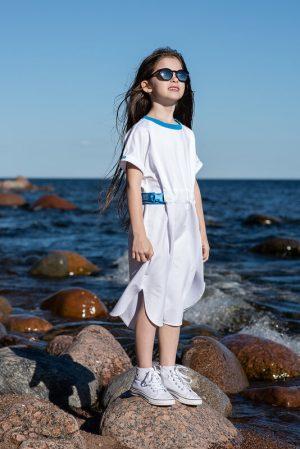 Белое детское платье-туника для девочки, с поясом-стропой