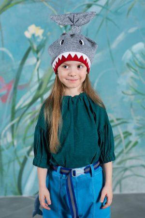 Детская шапка-акула