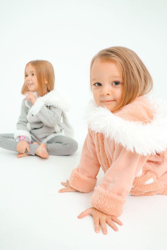 """Детский розовый костюм для девочки с мехом """"Котенок"""" 2021 2"""