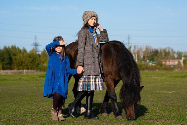 Клетчатое детское пальто для девочки