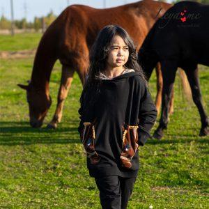 """Детское худи для девочки, с карманами """"Лошадки"""""""