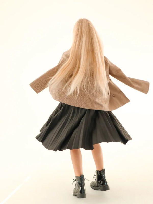 Замшевая черная плиссированная детская юбка для девочки 2021 2