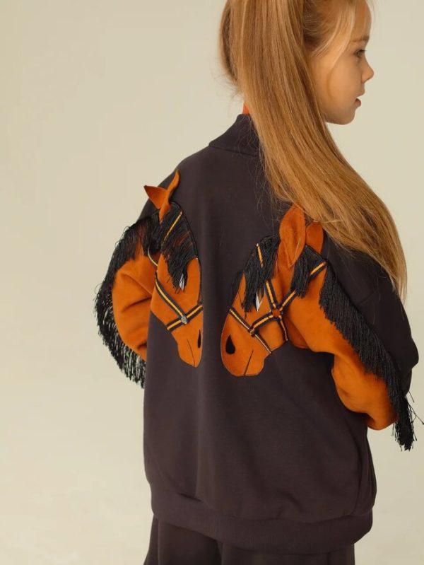 """Графитово-коричневый детский бомбер для девочки с аппликацией """"Лошадка"""" на спине"""