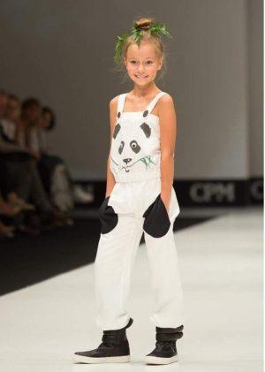 """Белый детский комбинезон из льна с принтом """"Панда"""" на девочку"""