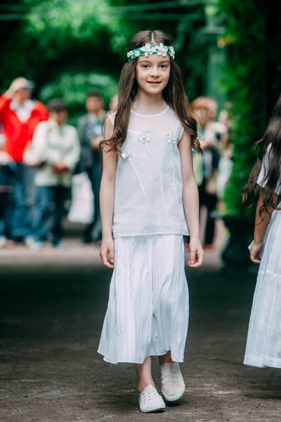 Белый топ детский с цветами на девочку 2021 1