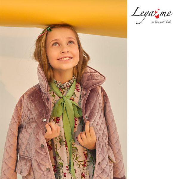 Сиреневая весенняя детская куртка для девочки