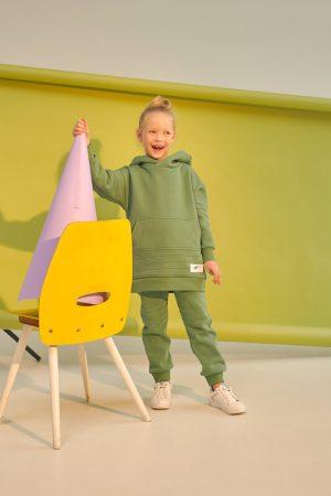 Зеленые детские брюки для девочки из футера с декоративными отстрочками