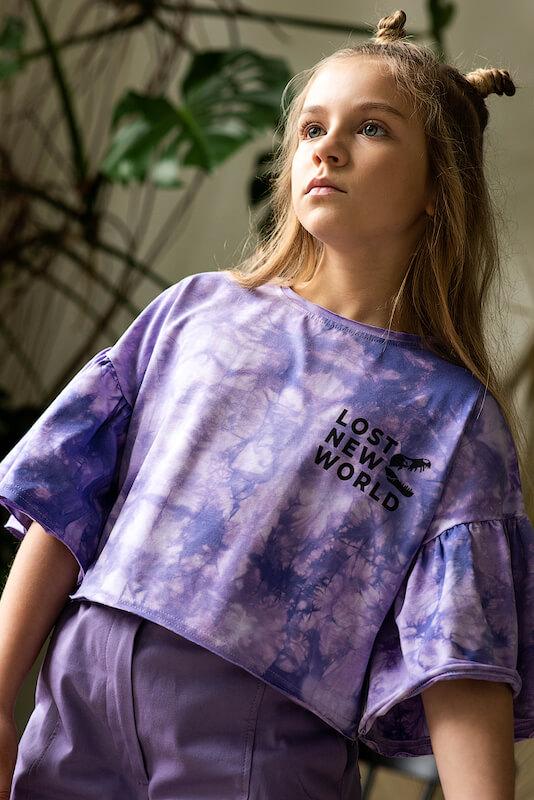 Сиреневая детская футболка тай дай с принтом Lost New World