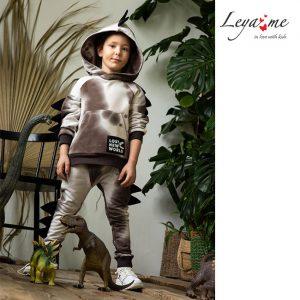 Бежевый спортивный костюм для мальчика тай дай с декоративными элементами