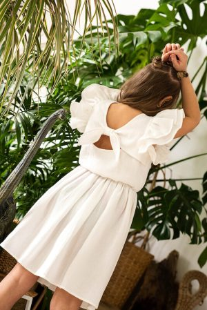 Белое детское платье из муслина