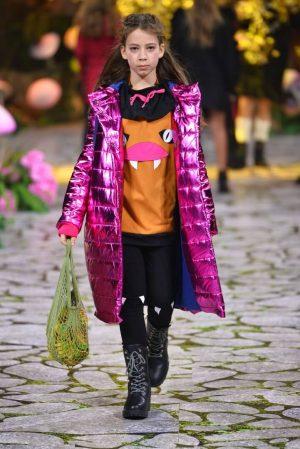 Детская куртка-пуховик для девочки блестящий цвета фуксия