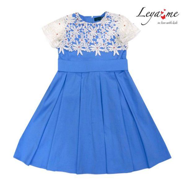 Платье голубое с кокеткой из кружева на девочку