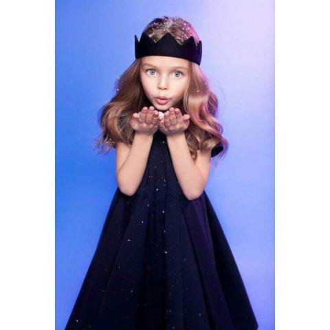 Черное детское платье с пышной юбкой