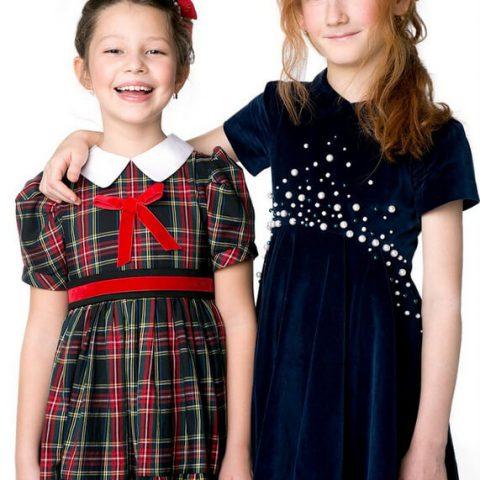 Платье синее бархатное детское, расшитое жемчугом
