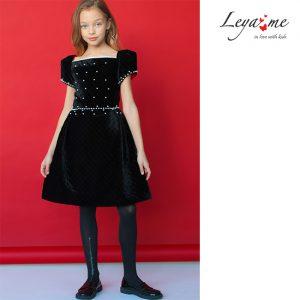 Нарядное черное детское платье из стеганого бархата с расшивкой жемчугом
