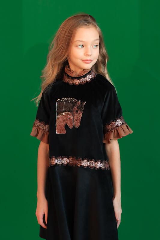 Нарядное черное бархатное детское платье для девочки