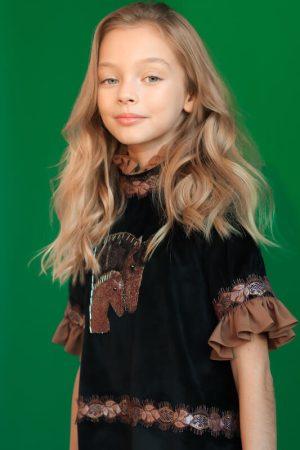 Нарядное черное бархатное детское платье для девочки, с вышивкой