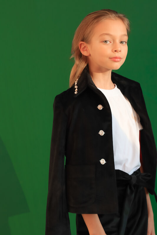 Нарядный черный бархатный детский жакет для девочки