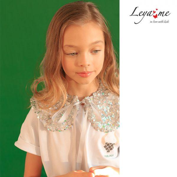 Нарядная белая детская блузка-футболка с принтом и съемным воротником из пайеток