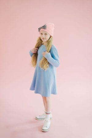 Платье детское из голубого футера с бантом на спине