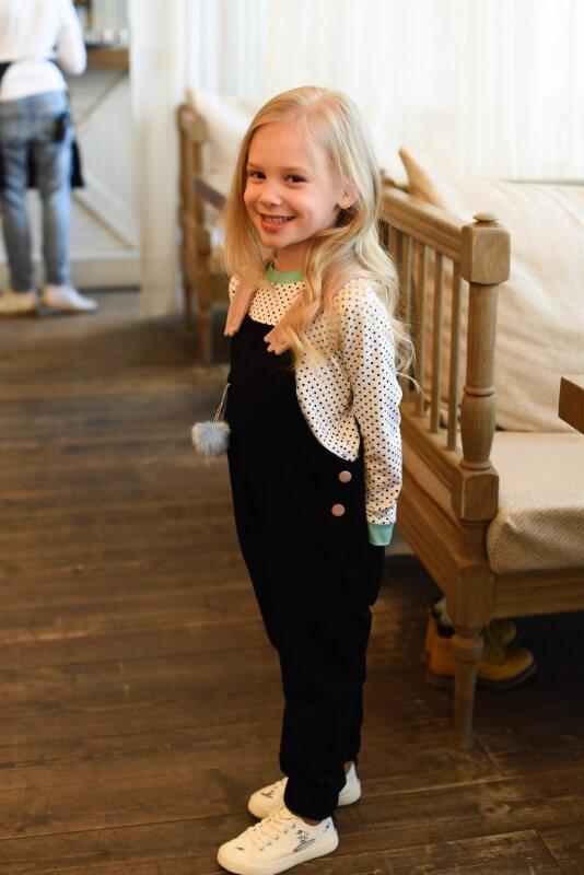 Топ белый детский в черный горох с бирюзовой отделкой на девочку