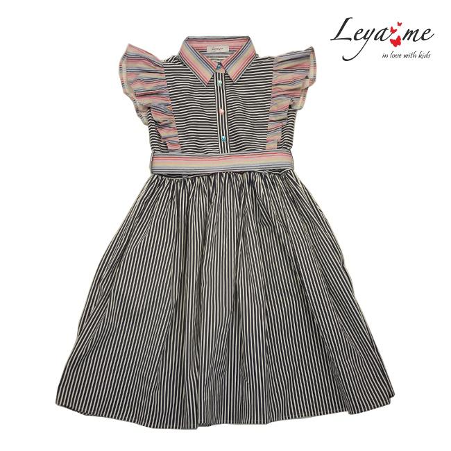 Хлопковое платье-рубашка в черно-белую полоску с розовыми оборками и поясом на девочку