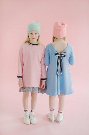 Платье-туника розовое со шнуровкой сзади на девочку