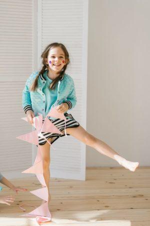 Бомбер детский бирюзово-мятный на полосатой подкладке на девочку