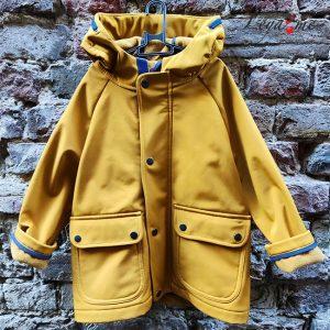 Детская куртка-парка софтшелл горчичного цвета