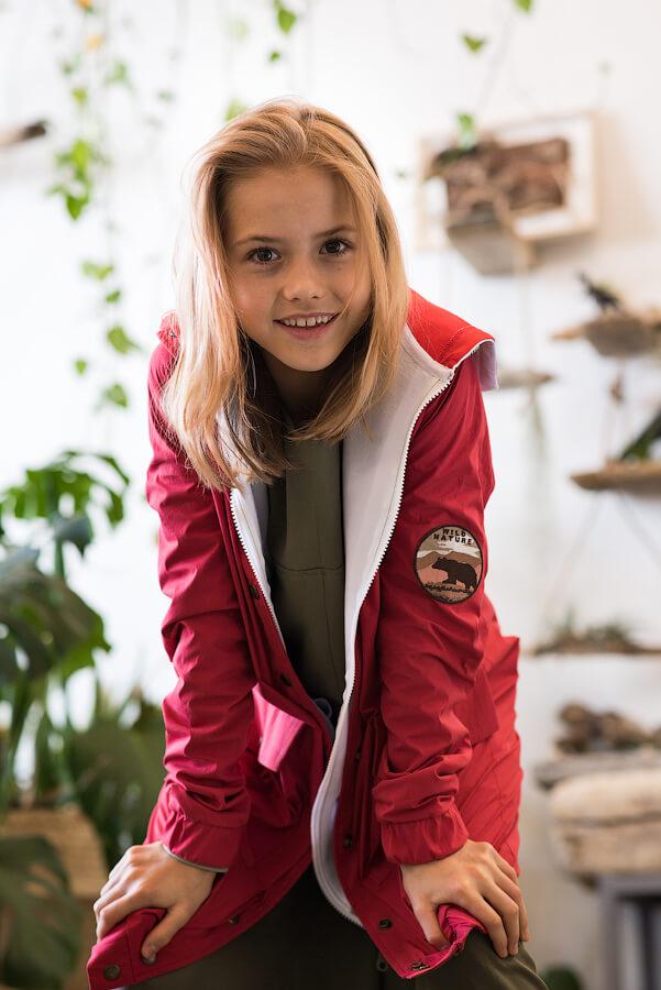 Яркая летняя куртка-парка из хлопка для девочки