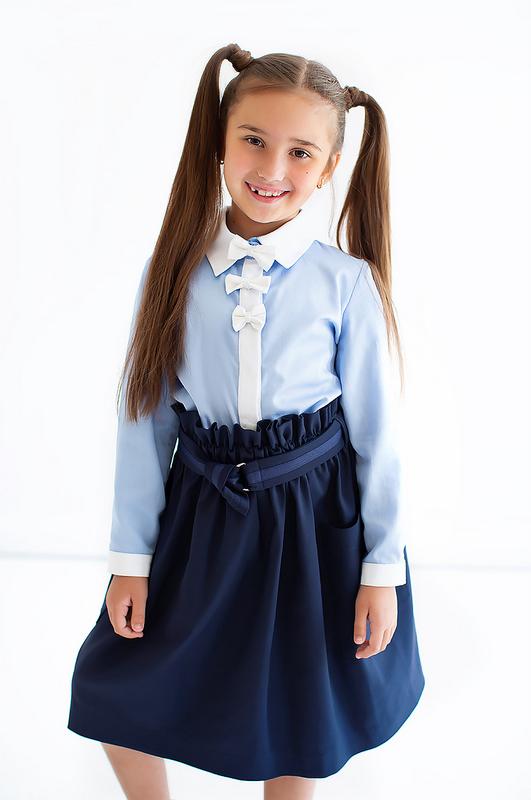 Синий школьный сарафан на лямках с накладными карманами 2020 1