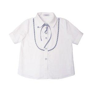 Белая школьная блузка с кокеткой на лифе и коротким рукавом