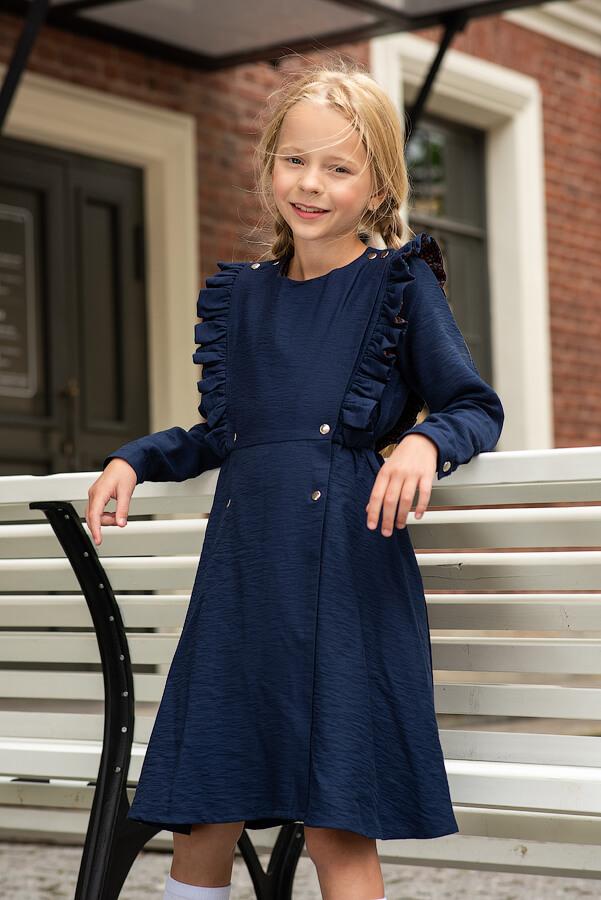 Двубортное синее школьное платье с воланами на лифе