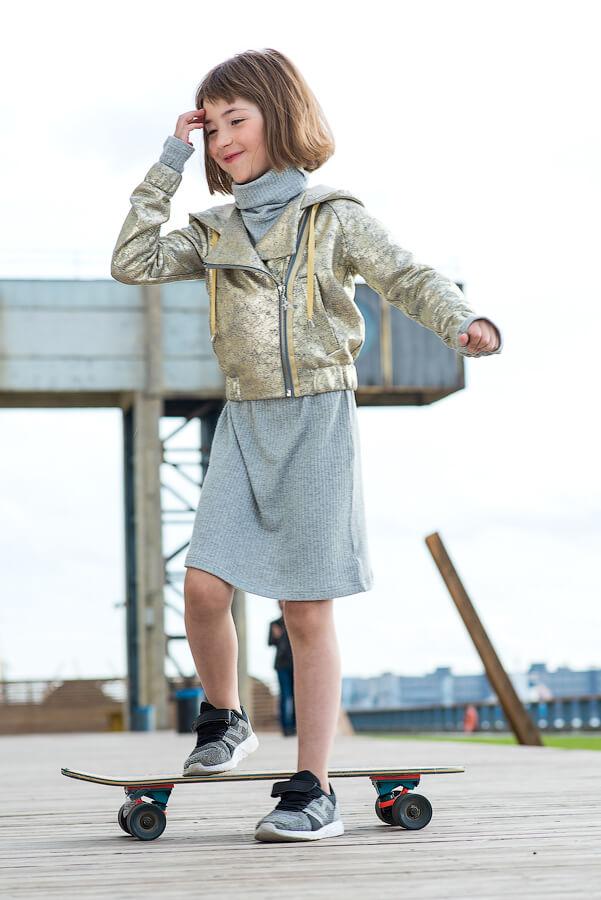 Золотая трикотажная детская куртка-косуха для девочки