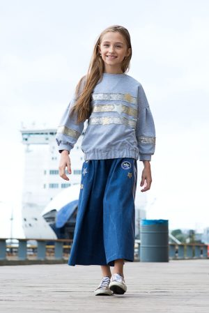 Кюлоты из джинсы с нашивками на девочку