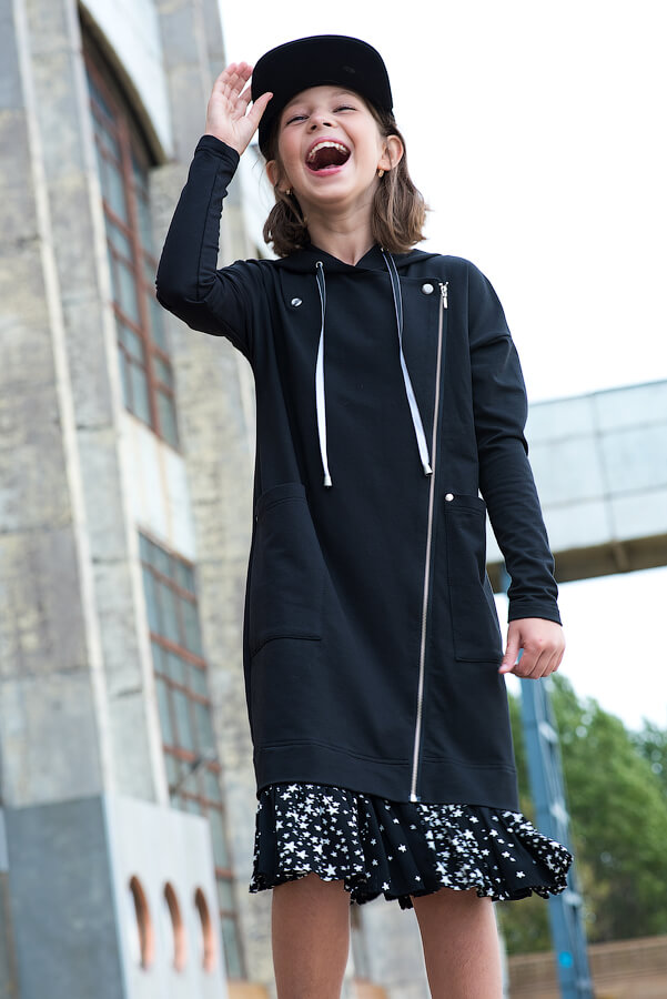 """Детское платье-косуха черное с капюшоном и оборкой """"Звездное небо"""" для девочки 2020 1"""