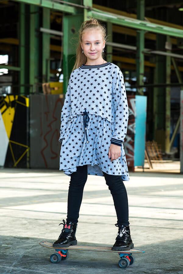 Платье-туника серое принтованное с кулиской на девочку