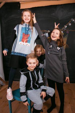 """Туника комбинированная детская серо-черная с принтом """"Планеты в твоих руках"""""""