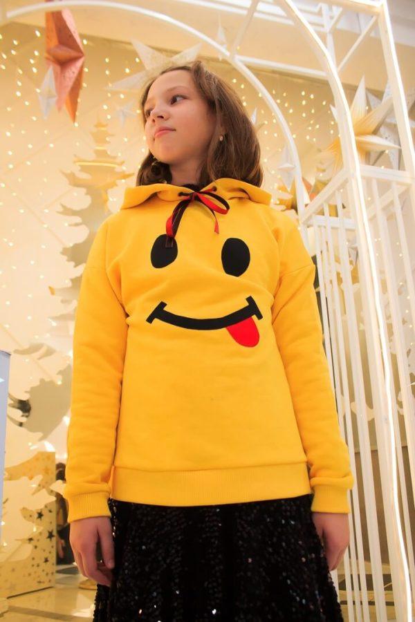 Желтый детский свитшот для девочки с принтом Смайлик 2020 1