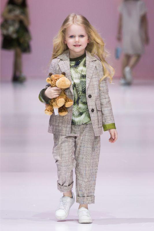 Фото и видео с показа Leya.me на Moscow Fashion Week 2021 15