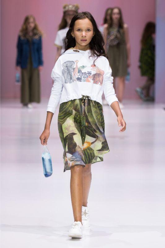 Фото и видео с показа Leya.me на Moscow Fashion Week 2021 24